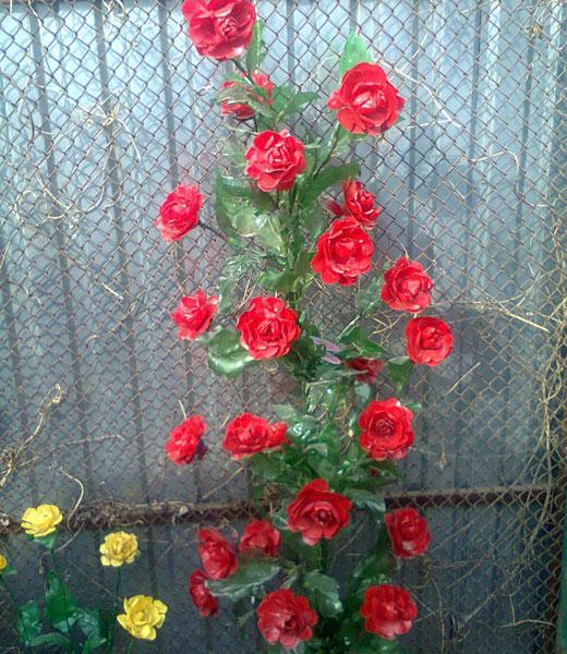 Цветы из пластиковых бутылок: кусты роз - каталог статей на сайте - ДомСтрой
