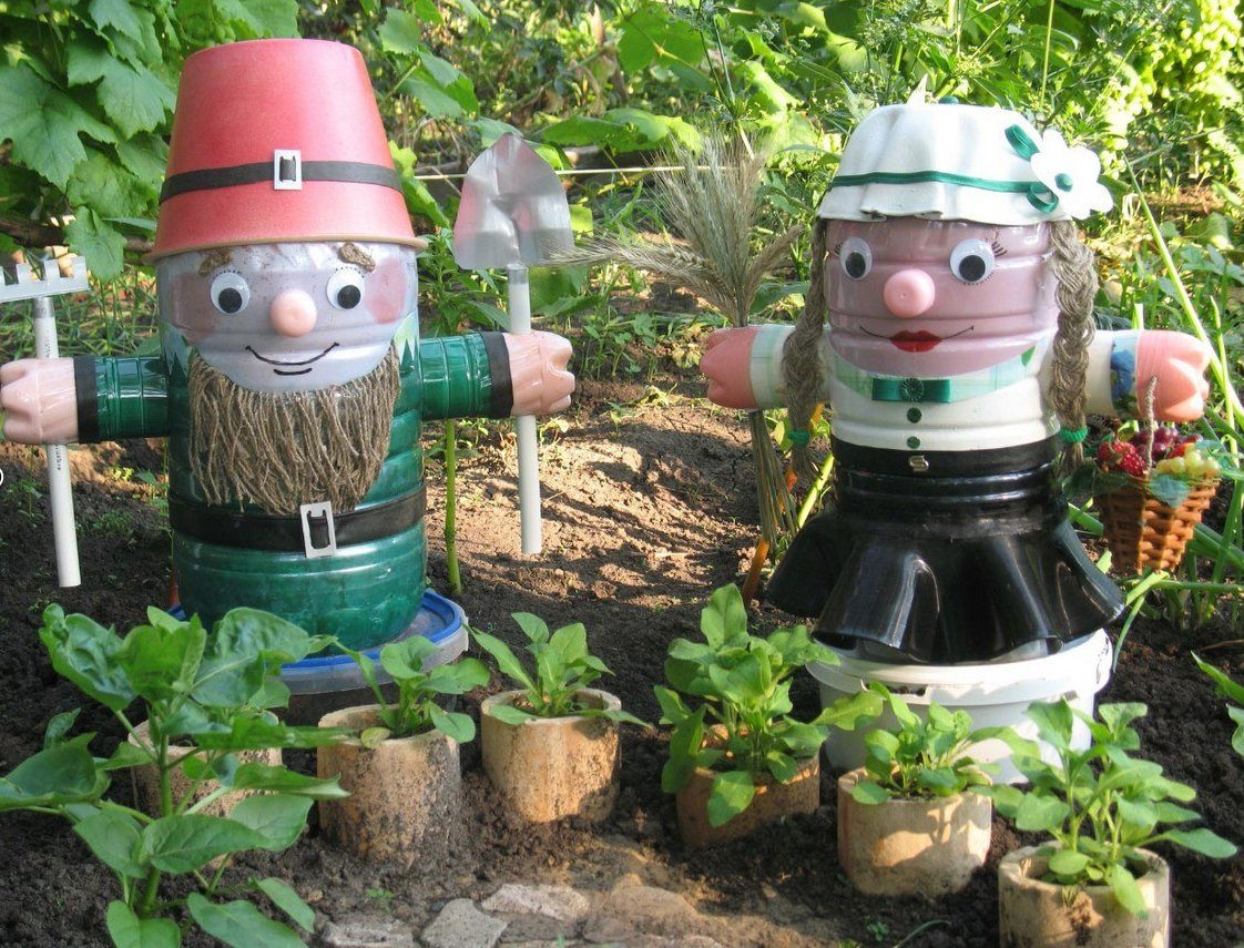 Поделки для сада своими руками из бутылок фото
