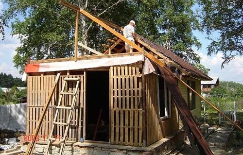 Дачный домик своими руками из поддонов
