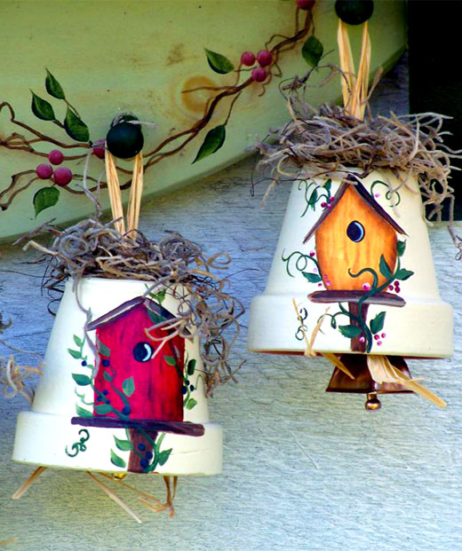 колокольчики из цветочных горшков