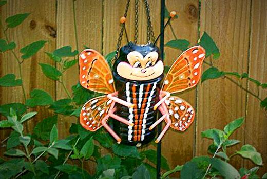 бабочка из бутылок