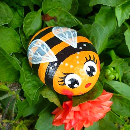 красивые пчелки из камней