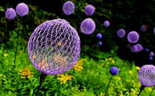 цветы шарообразные из сетки