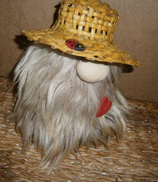 домовенок в шляпе