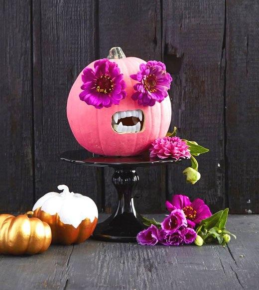Тыква декоративно с цветами Хэллоуин