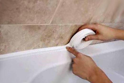 Самоклеющаяся лента - надежный защитник стыка ванны и стены
