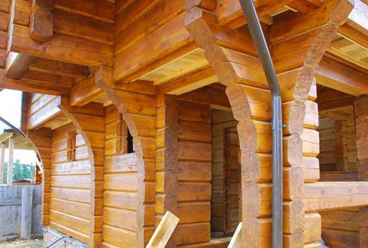 Срубы домов из лафета теплые