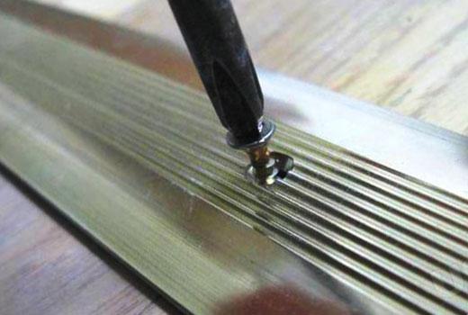 Алюминиевый порог для пола