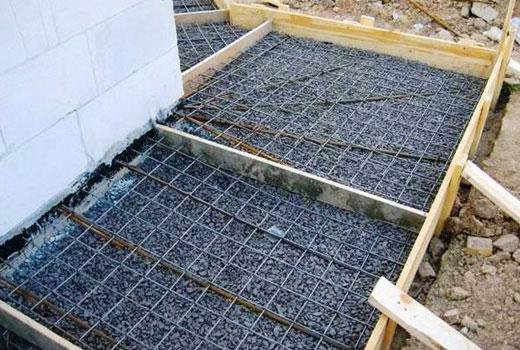 Армируем бетонную заливку