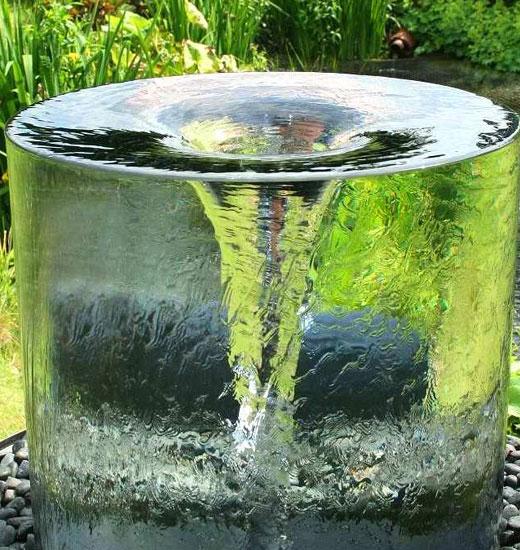 Интересный фонтанчик для сада