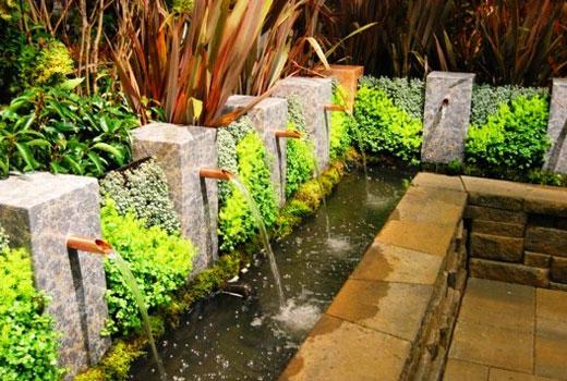 Интересные садовые фонтанчики