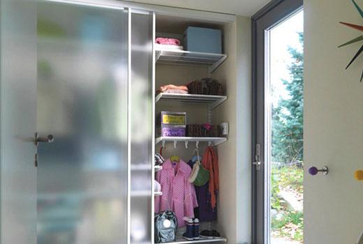 Шкаф-купе с прозрачной дверью