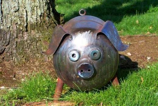 Свинка из металла