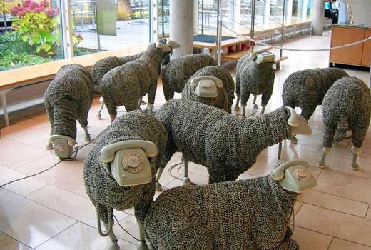Стадо овечек - поделки для сада