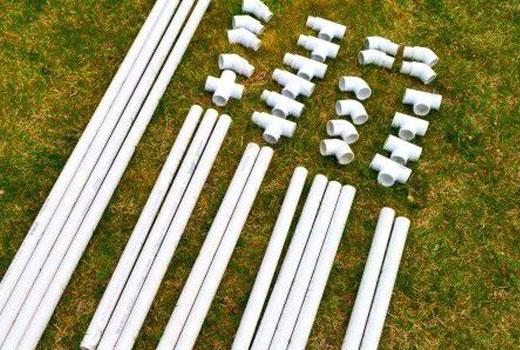 Трубы пластиковые для заборчика