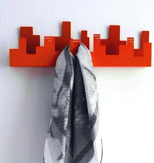Декоративная настенная вешалка в прихожую