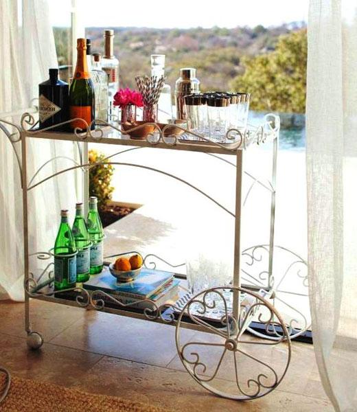 Передвижная барная стойка на балконе