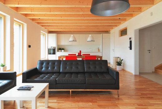 Гостиная деревянного дома