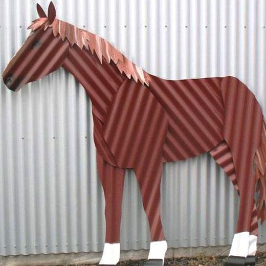 Конь из профлиста