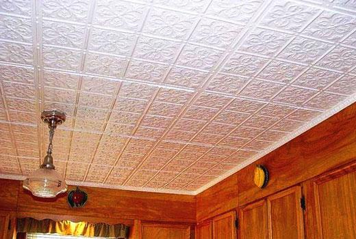 Утепленный потолок - декоративная полистирольная плитка