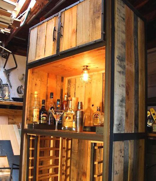 Самодельный деревянный бар
