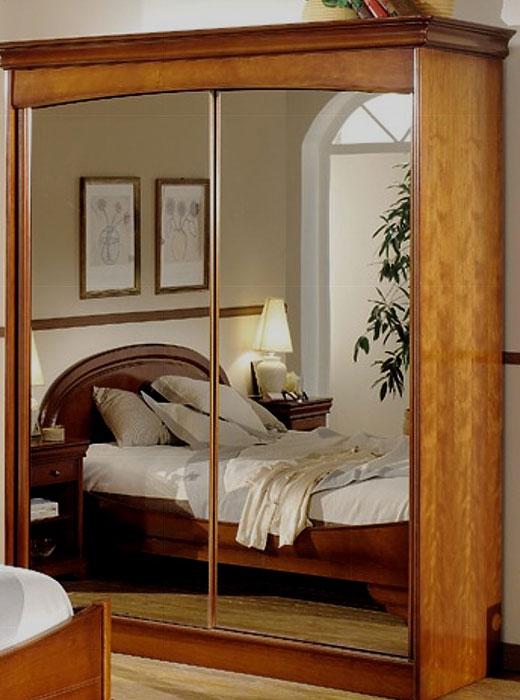 Шкаф в маленькую спальную