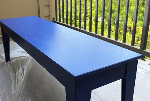 Фоновая покраска скамейки для прихожей