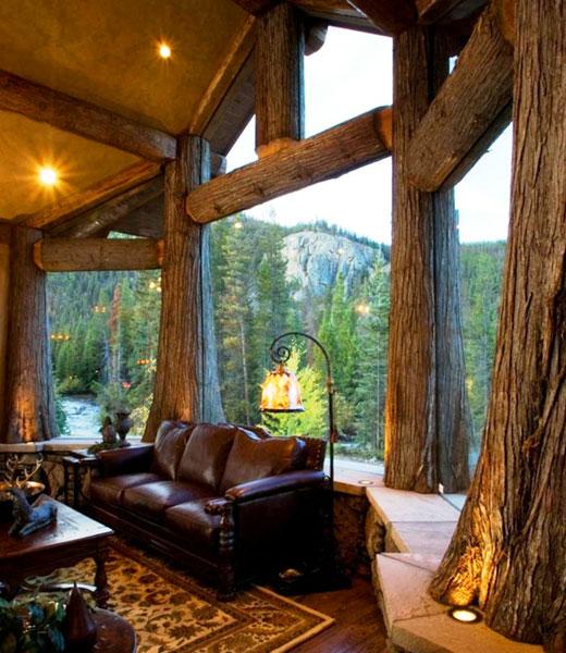 Роскошная терраса деревянного дома