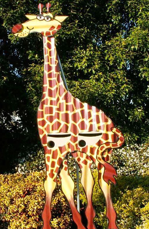 Поделка для дачи Жираф из оцинковки
