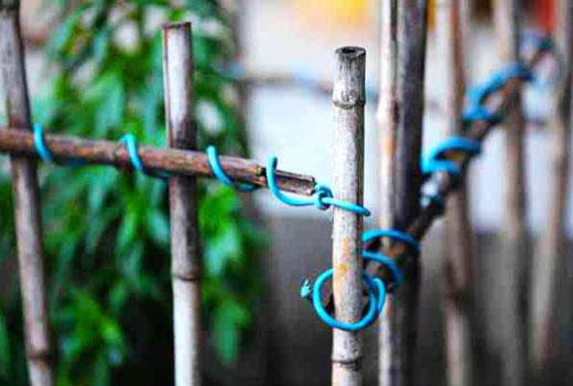 Соединение арматурных прутов в заборчике