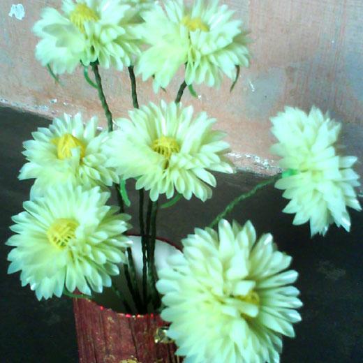 Пластиковые цветы астры