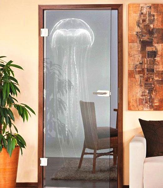 Распашные стеклянные двери с одной створкой
