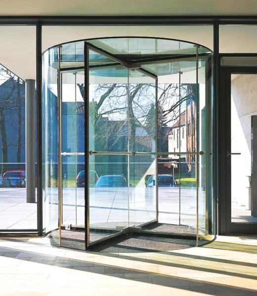 Роторные стеклянные двери