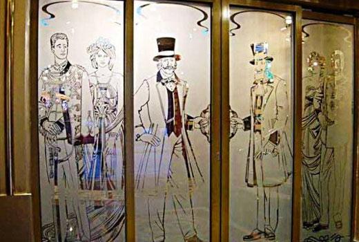 Стеклянные двери с витражами под старину