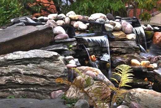 Садовый водопад