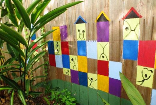 Домики на заборе