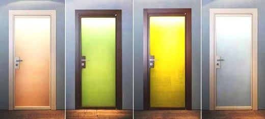 Цветные стекла в дверных конструкциях