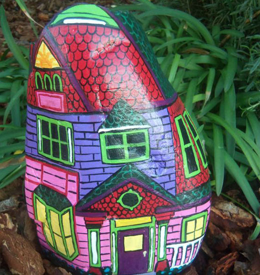 Роспись камень домик