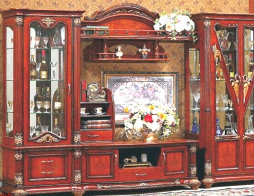 Нарядная мебель для гостиной - стекло и зеркала