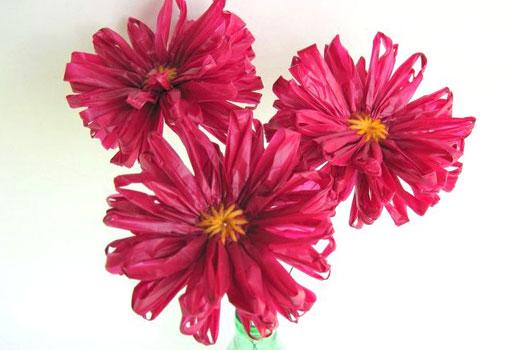 Поделки для сада цветы из полиэтилена