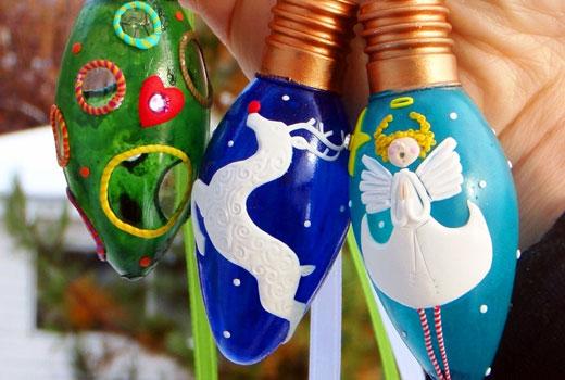 Игрушки на елку - расписанные лампочки