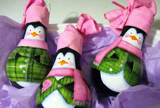 Пингвинчики из лампочек