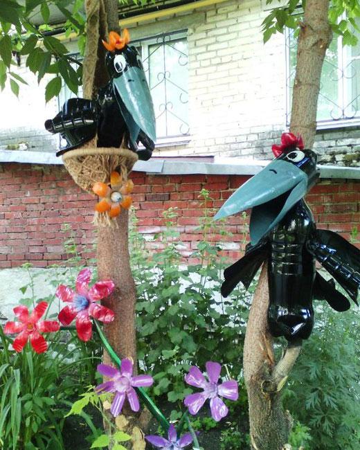 Фигурки для сада из пластиковых бутылок - вороны