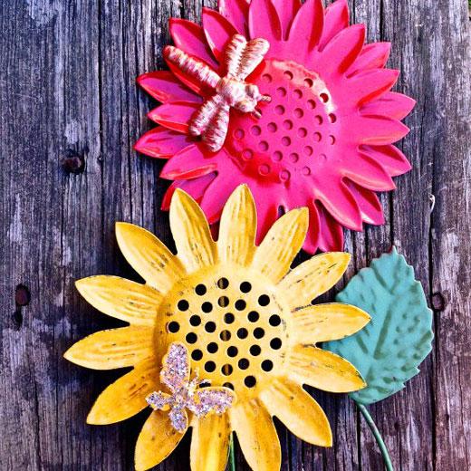Подсолнух и цветок из жести для сада