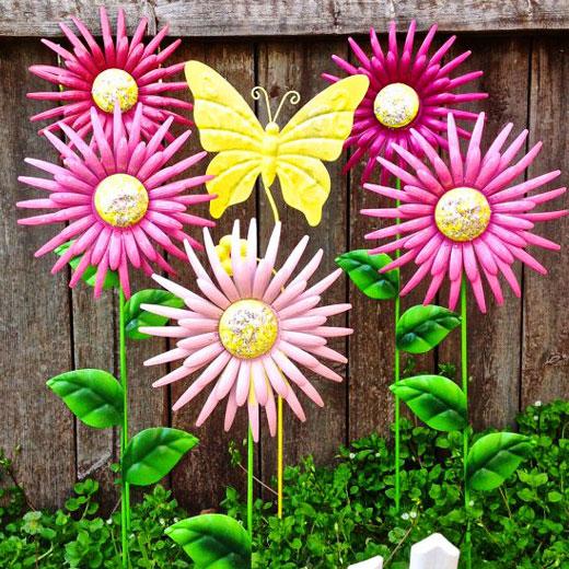 Роскошное украшение для сада - цветы их жестяных банок
