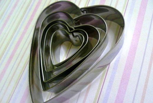 форма для вырезания сердечек из фетра