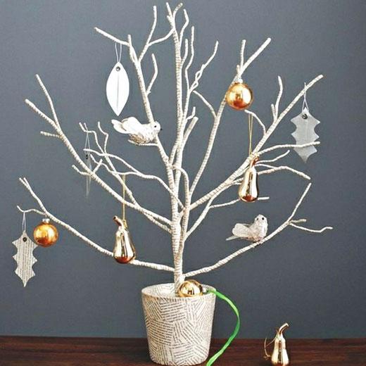 Новогоднее деревце - елка из ветки