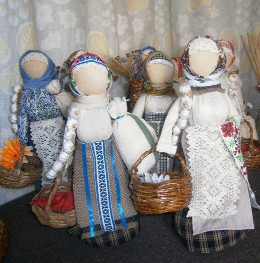 Корзинки для кукол плетеные