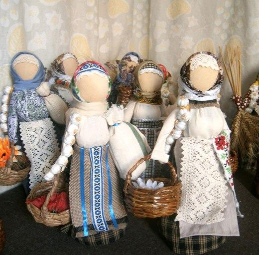 Куклы с корзинками