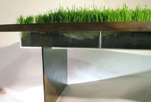Оригинальный стол с газончиком